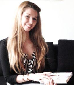 AnyaValentino Interview portræt